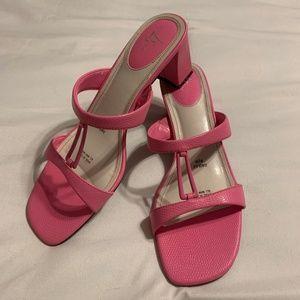 Lifestride bright pink strappy heels Size 8 1/2